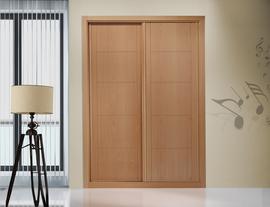 Armario de puertas correderas, en roble, puertas fresadas en pico de gorrión