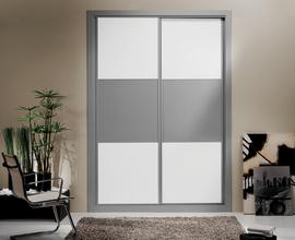 Frente de armario corredera en gris y blanco, puertas con freno